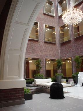 D4 Lobby & Courtyard
