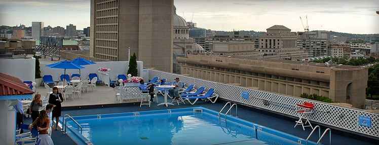 Colonnade Boston Roof Top Pool